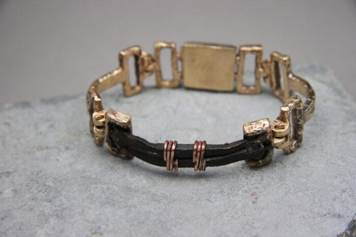 """""""Chiodi Antichi"""" Bracciale materico uomo artigianale fatto a mano in Bronzo con chiodi in ferro antichi e Rame"""