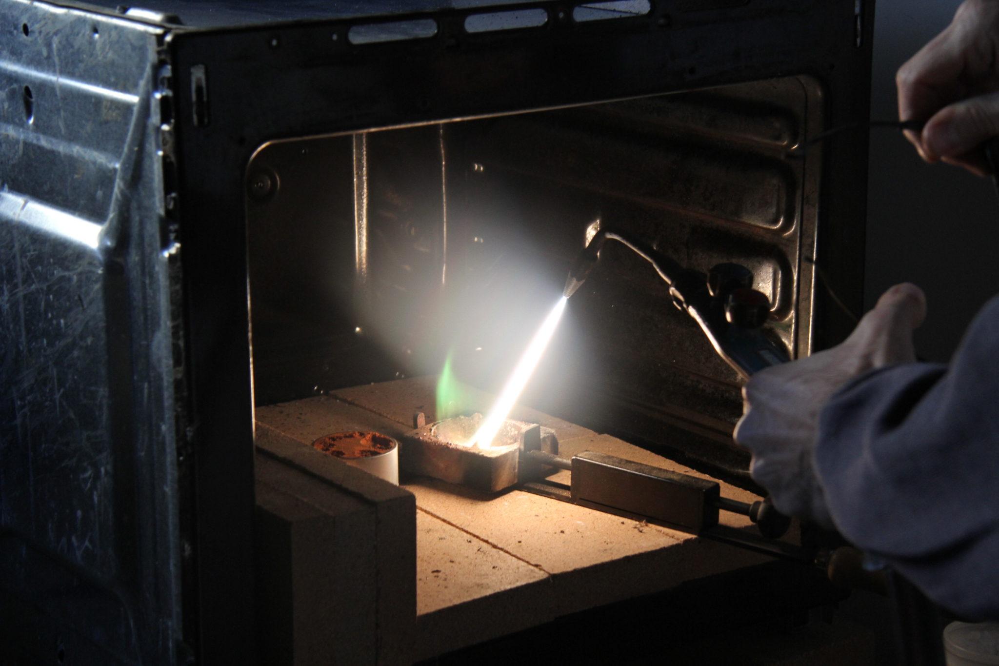 fusione artigianale a cannello ossiacetilenico