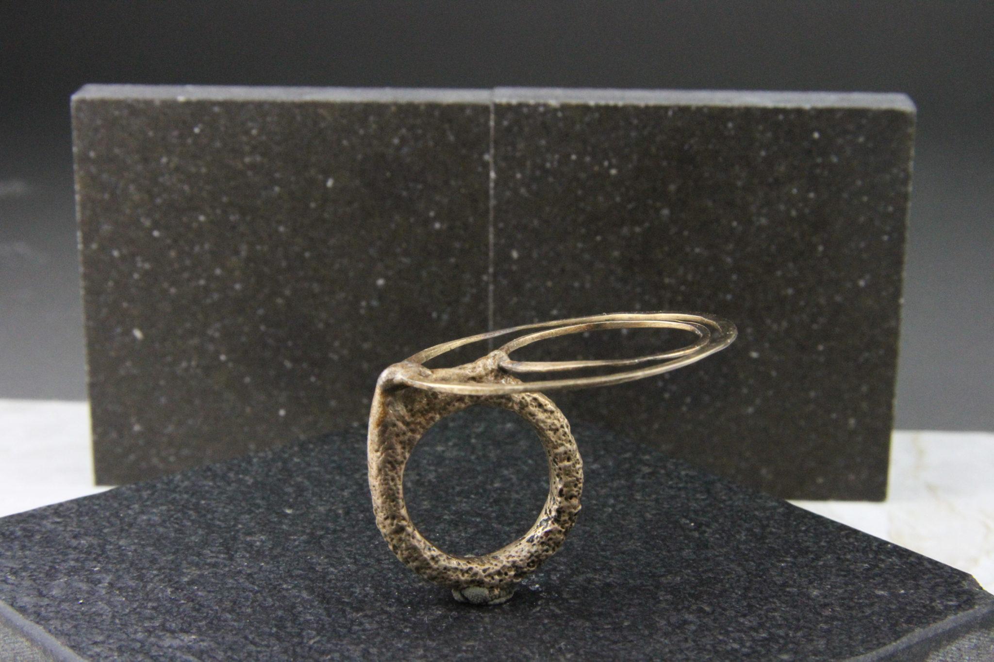 """""""Eclissi"""" Anello artigianale donna in Bronzo o Argento 925, fatto a mano"""