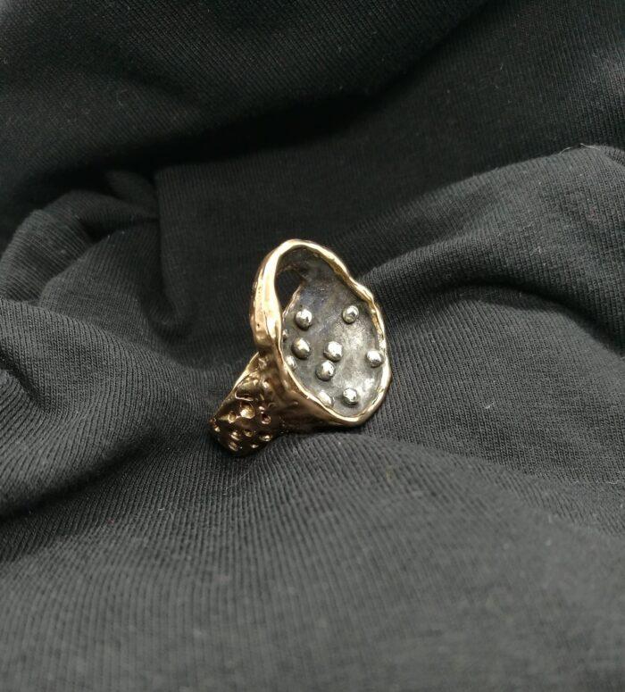 """""""Stars 1"""" Anello artigianale donna in Bronzo brunito/mordenzato nero e Argento 925, fatto a mano"""